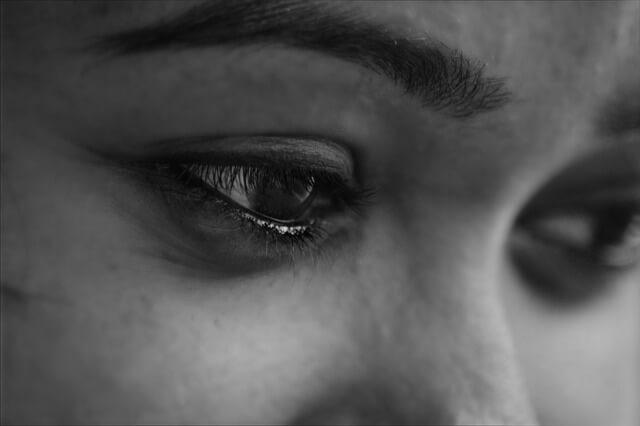 なぜ失恋すると痩せる?理由や心理から発生する原因